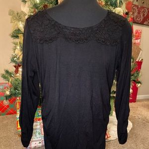 Maurices black lace neck ruched side top Nwot